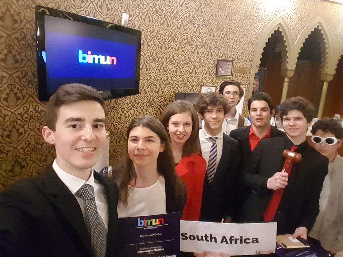 2018. április 13-a és 17-e között immár nyolcadik alkalommal került  megrendezésre az Eötvös József Gimnázium diákjai által a BIMUN – Budapest  International ... dbe2a99a05